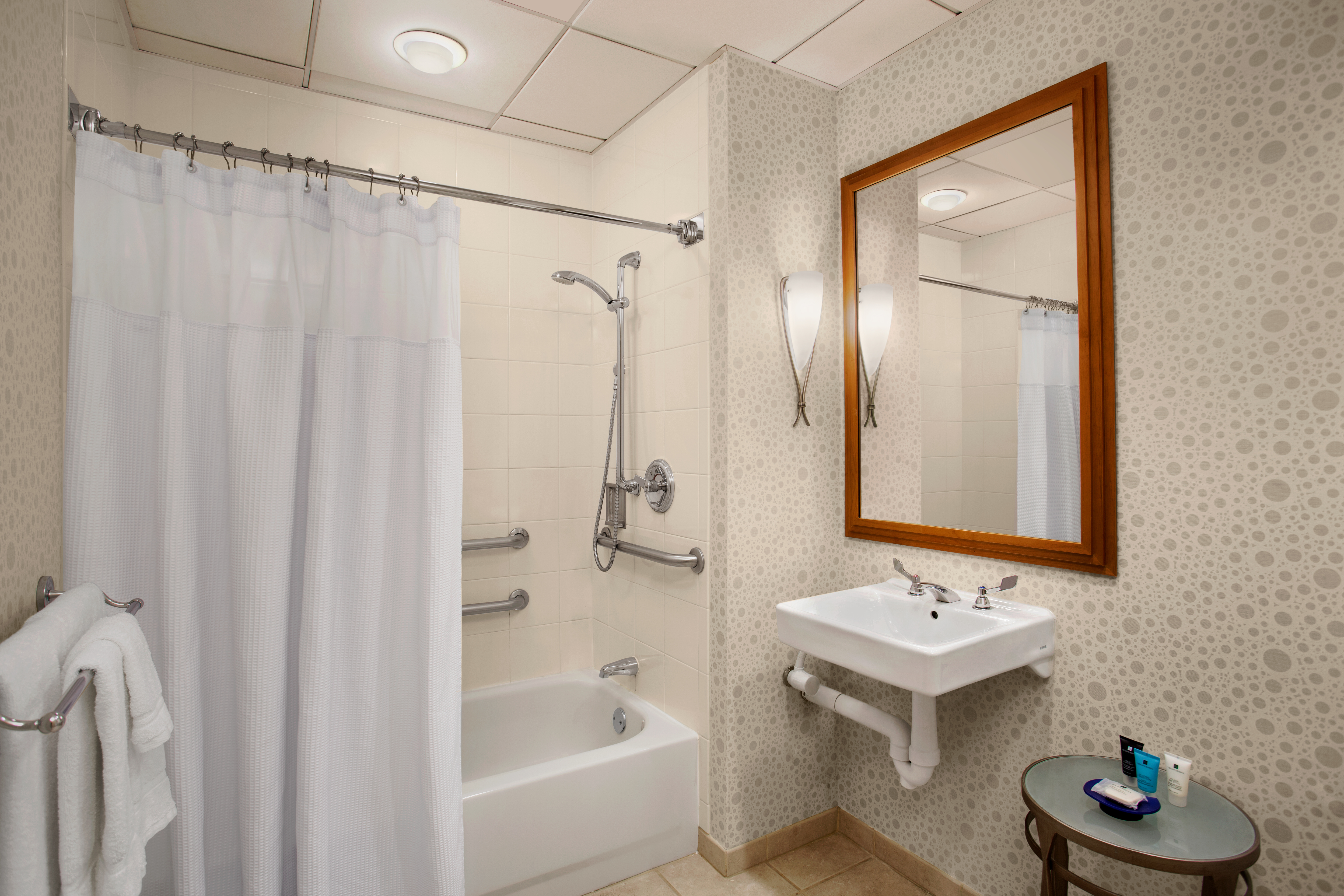 Crowne Plaza San Francisco Airport   Accessible Rooms